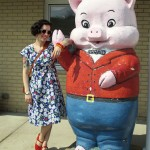 Antiquing, a huge pig, a garden party dress & Indie Untangled launch