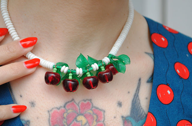 1940s cherries necklace