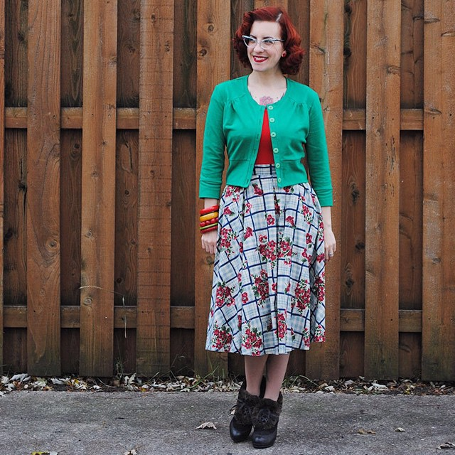 And my full outfit just because. I've never had the chance to fully show off my skirt from @theblackpinafore. Vintage flannel goodness for winter! With cardigan sewn by me, @misslfire Havana boots, @pinupgirlclothing top. #ootd #thedailybake #theblackpinafore #pinupgirlclothing #misslfire