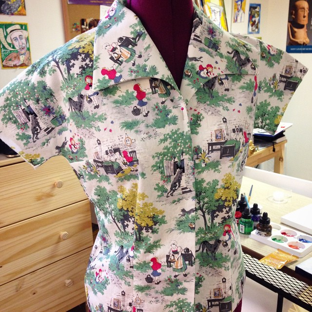 It may have taken 2 days to get the collar and facing units constructed (OMG they're utter madness, and still have wonky bits inside) but THIS COLLAR. ?? I should be able to have it ready to see a certain BFF soon who's also recently sewn this fabric. ?? #vintagesewing #simplicity3266