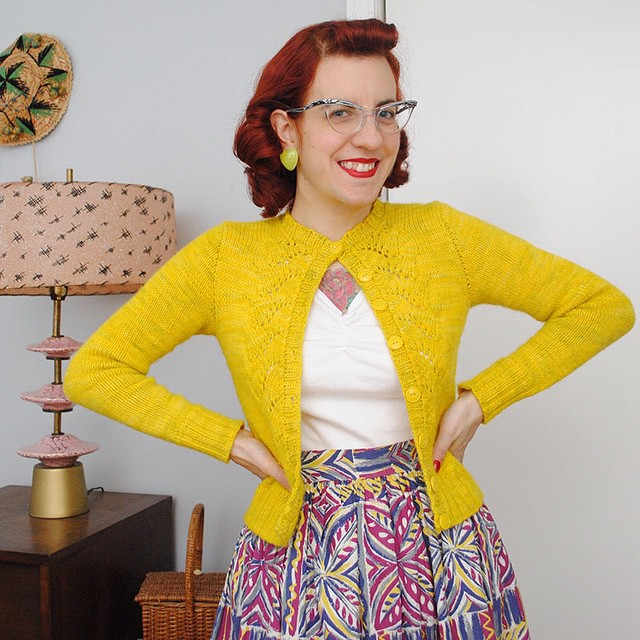 Sharing my last knit of 2014 on my blog today, a modified version of Mary Rebecca by Ellen Mason. Here's to sunshiney days! ☀️? (link in profile)