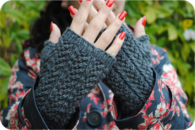 Matching gray beret & fingerless mitts | By Gum, By Golly