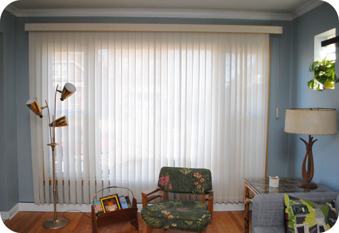 Help picking mid century living room window treatments - Living room picture window treatments ...