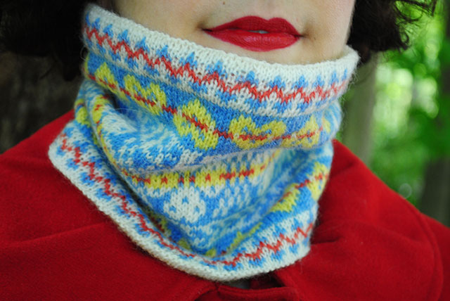 fair isle cowl with Susan Crawford's Fenella yarn