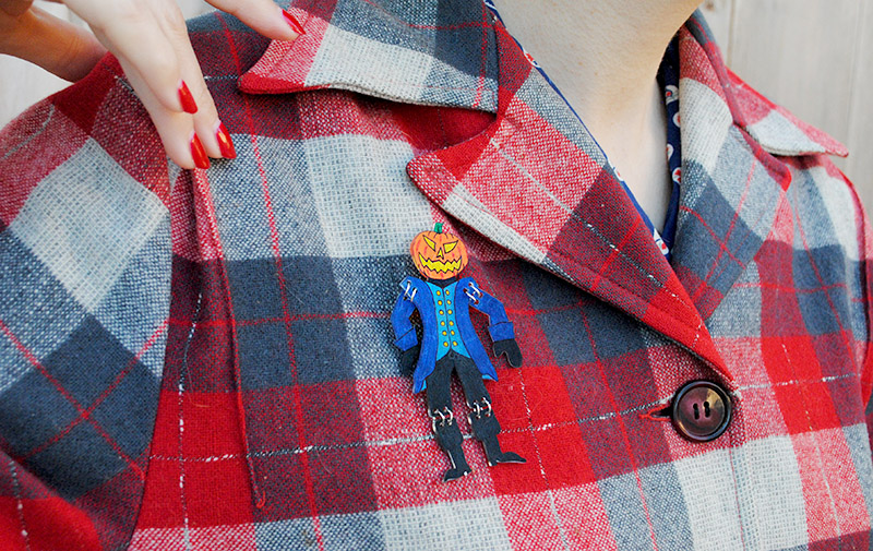 headless horseman brooch